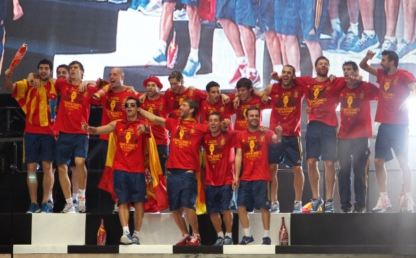 9 votos   Ocho campeones de la Eurocopa y Raúl optan a 'Mejor Jugador de Europa'
